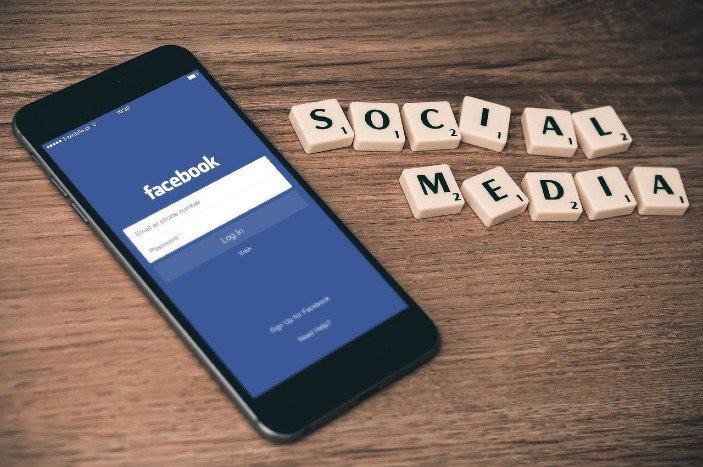 Facebook eller hjemmeside?
